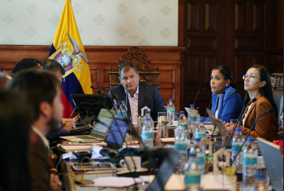 El presidente Rafael Correa mantuvo una reunión este miércoles con el sector social. / Foto: Micaela Ayala-Andes