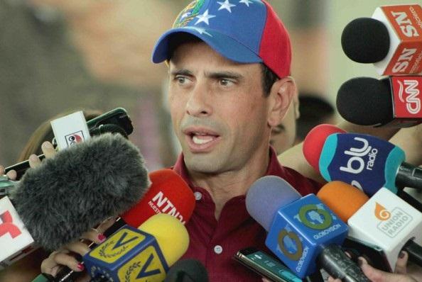 Capriles denuncia que se gastan millones en ejercicios militares y niegan dinero a la salud