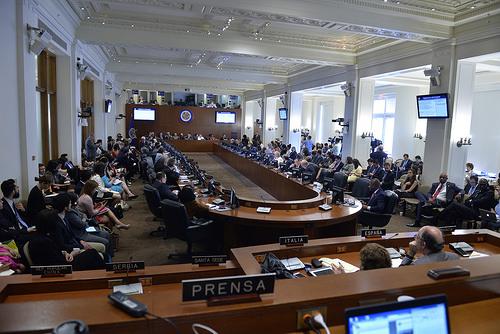 Por temor a ser sancionado, el régimen chavista anuncia que se retira de la OEA