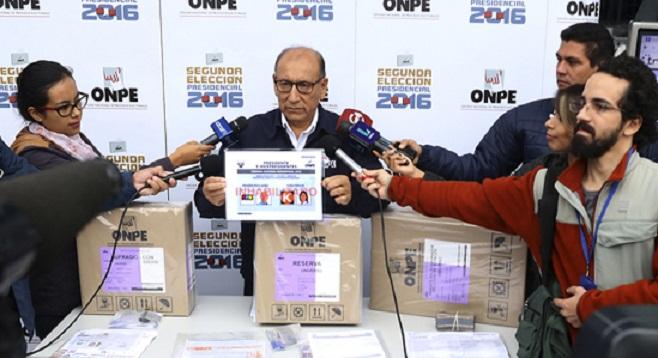 Con empate técnico, Perú decide entre Fujimori y Kuczynski quien será su presidente