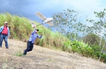 Indígenas de Panamá se capacitan en uso de drones para cuidar los bosques