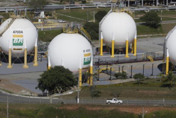 Corrupción: prohíben a la empresa Skanska de Suecia firmar contratos con el gobierno de Brasil