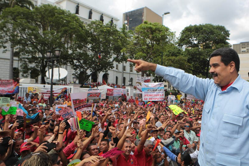 Maduro busca desesperado la 'bendición' de Estados Unidos