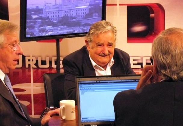 Mujica no descarta que su esposa asuma la vicepresidencia en lugar de Sendic