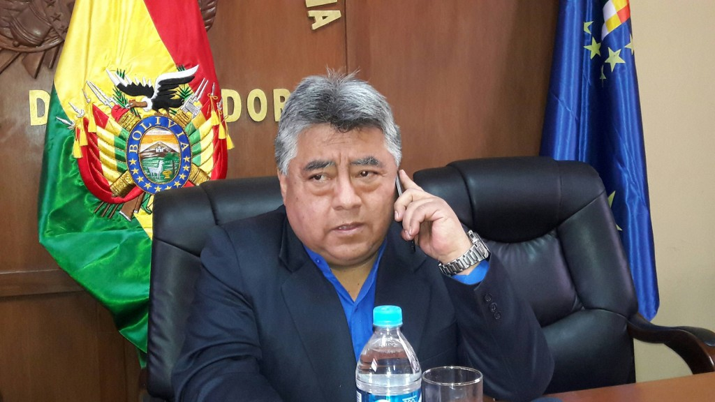 Mineros bolivianos asesinan al viceministro de Régimen Interior