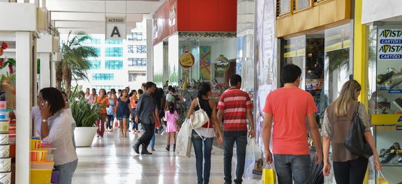 Crisis: El 46% de los morosos de Brasil no tienen como pagar deudas a corto plazo