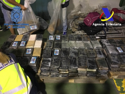 España: incautan 900 kilos de cocaína de Colombia camuflados en cajas de bananas
