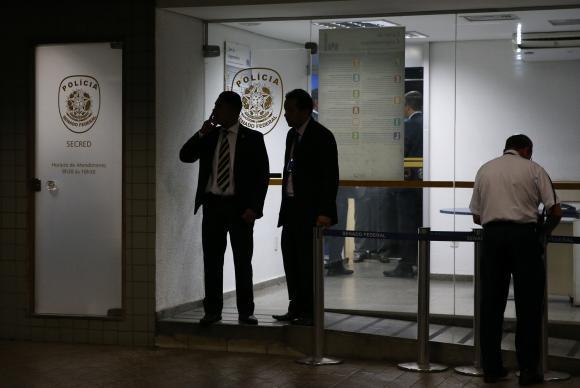 Brasil: Detienen a agentes de seguridad del Senado por amañar el caso Autolavado
