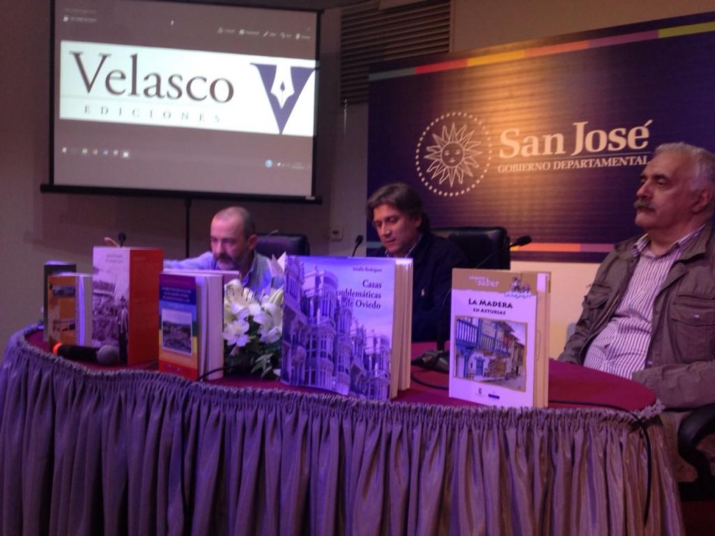 Cristian Velasco, Juan Carlos Barreto y Raúl Vallarino, en la presentación de Velasco Ediciones