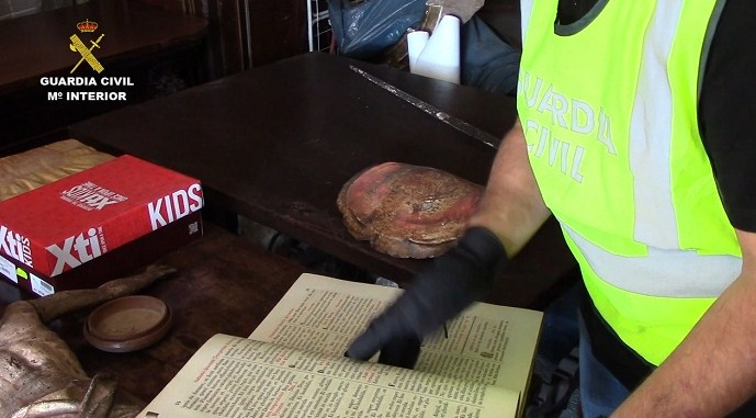 Cae grupo que traficaba con obras de arte religioso en España