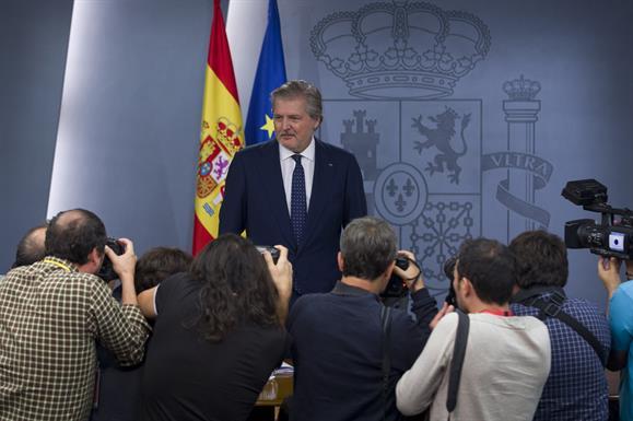 España: El Gobierno asegura que cumplirá el objetivo de déficit acordado con la UE