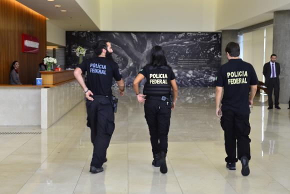 São Paulo -Policías federales llegan a la sede de la Constructora Odebrecht, en la 23.ª fase de la Operación Autolavado /Rovena Rosa/Agência Brasil