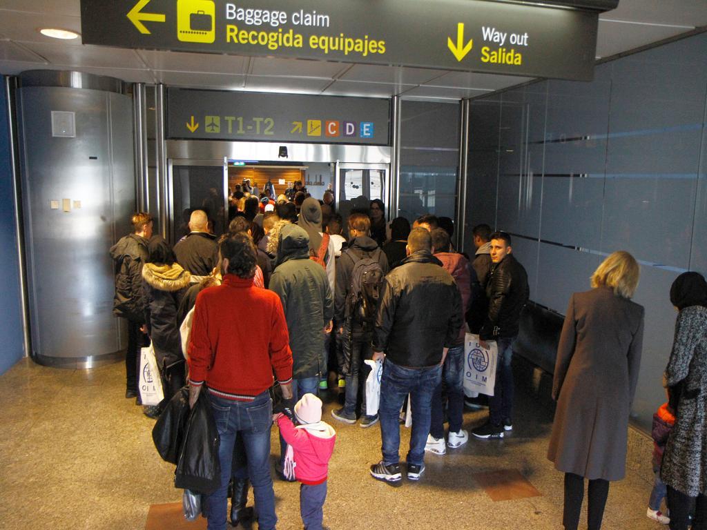 España: llegan 198 refugiados en el grupo más grande desde el inicio del proceso de reubicación