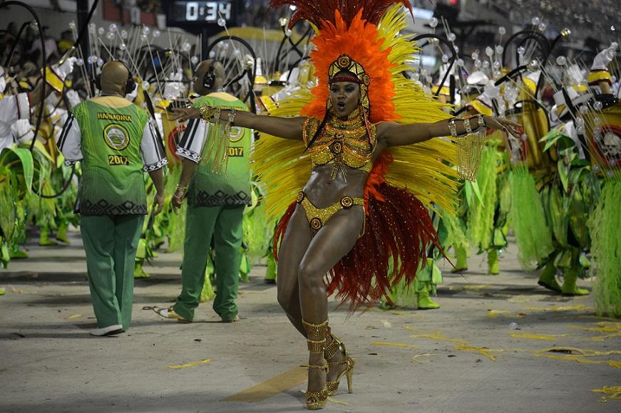 A pesar del accidente, brillaron las seis agrupaciones que abrieron el carnaval de Río