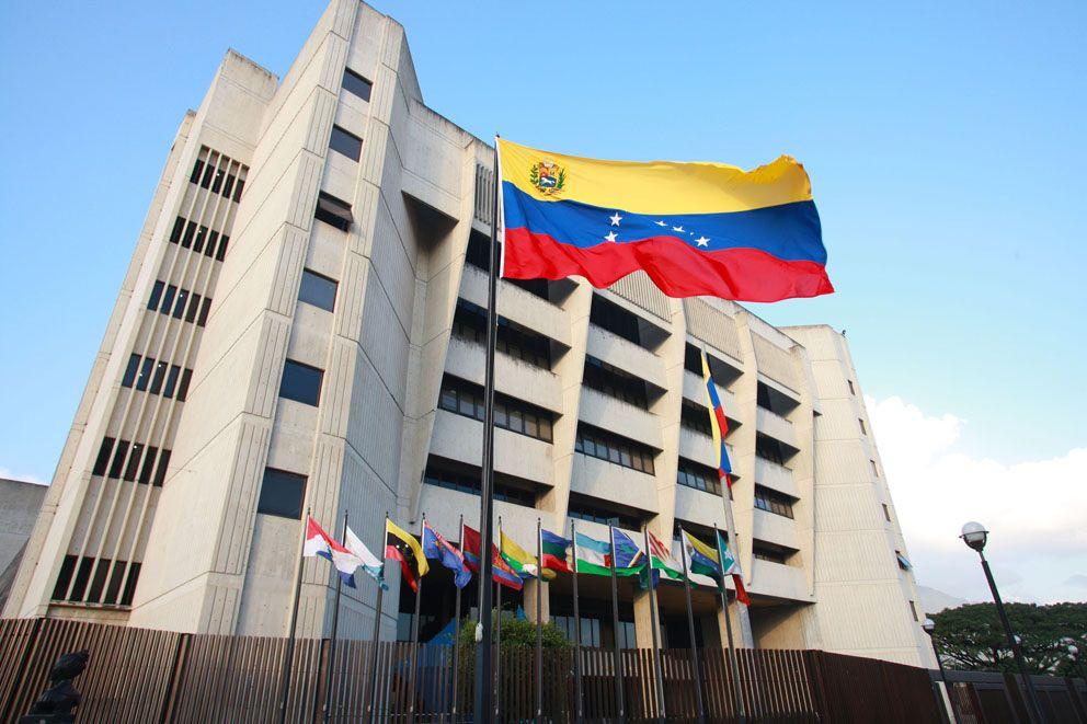 Tribunal Supremo chavista vuelve a golpear a la Constitución y desconoce a la Asamblea Nacional