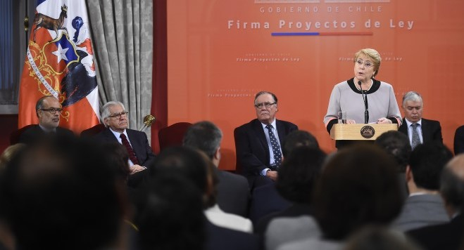 """Bachelet: """"estamos enviando al Congreso proyectos que son prioritarios para nuestro país"""""""