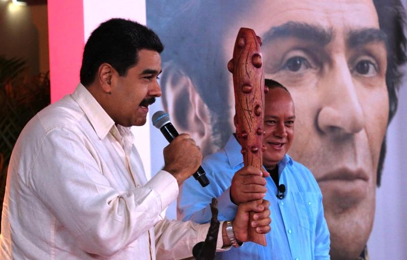 Crueldad: Maduro permitiría entrada de alimentos si se reconoce a la ilegal ANC