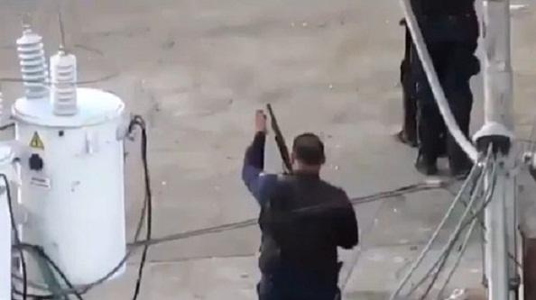 Capriles denuncia