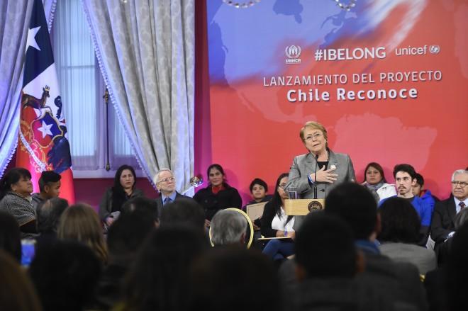 Bachelet lanzó campaña para erradicar la apatridia en Chile | Nacional