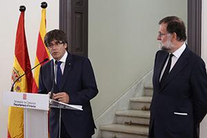 Rajoy y Puigdemont unidos ante la amenaza terrorista