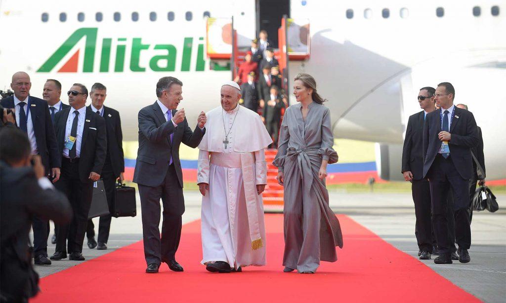 El Papa en Colombia: 'No se dejen vencer, no se dejen engañar, no se dejen robar la esperanza'