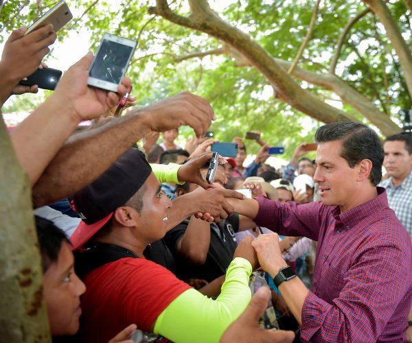 Peña Nieto destaca apoyo de las empresas y FF.AA en plan de reconstrucción de zonas afectadas por sismo