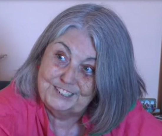 La 'abuelita' Ángels Martínez, una anciana diputada en busca de 15 minutos de fama