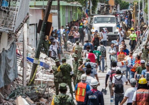 Peña Nieto garantiza albergue, alimentación, agua y médicos a los afectados por el sismo