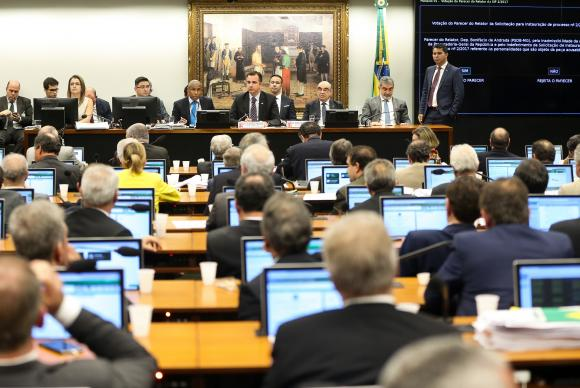 Comisión de Diputados de Brasil rechaza la segunda denuncia contra Michel Temer