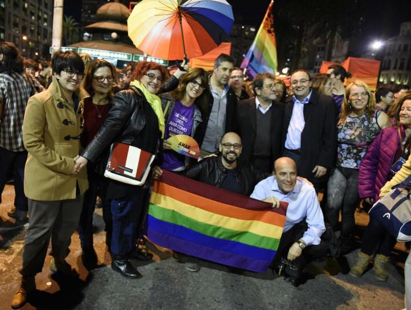 En la capital uruguaya, Montevideo, marcharon por la diversidad en plena avenida principal