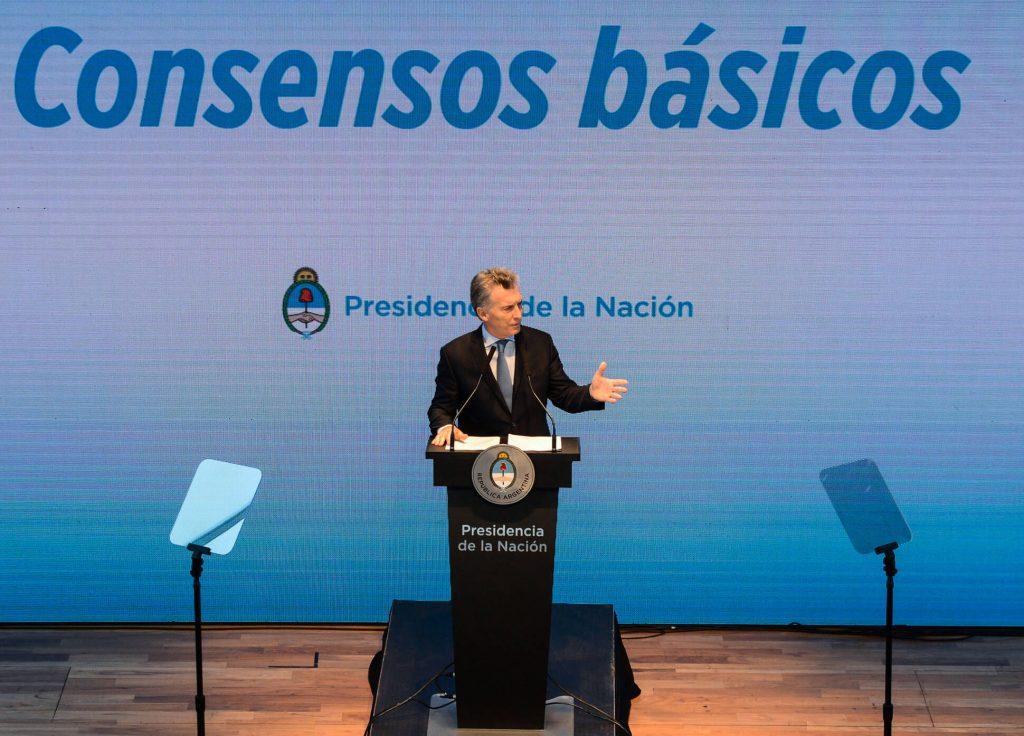 Macri pidió debatir 'consensos básicos' para avanzar contra la pobreza y crear empleo