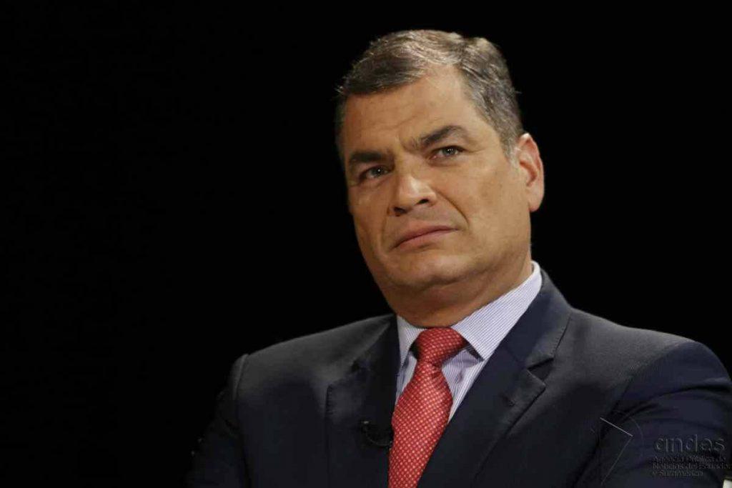 Rafael Correa cree que consultarle al pueblo lo que quiere es un golpe de Estado
