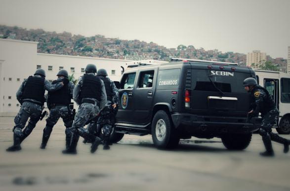Informe: HRW y Foro Penal denuncian los abusos sistemáticos contra opositores del chavismo