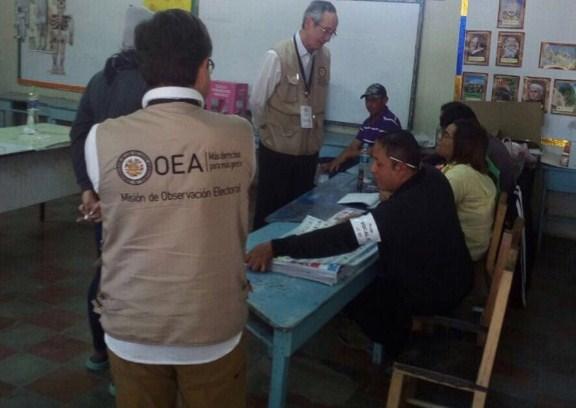 Honduras: La OEA pide que se cuente el 100% de los votos antes de dar el resultado