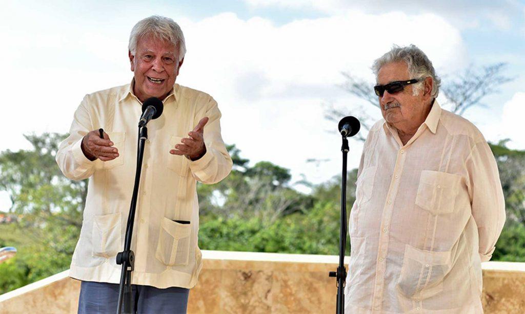 Álvaro Uribe dice que Mujica fue a Colombia a mentir y a premiar al narcoterrorismo